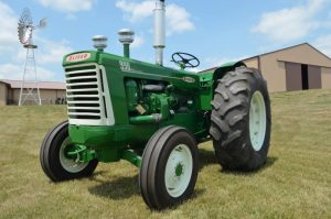 Oliver 990 Tractor